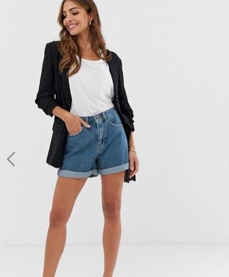 אסוס: מכנסי ג'ינס קצרים