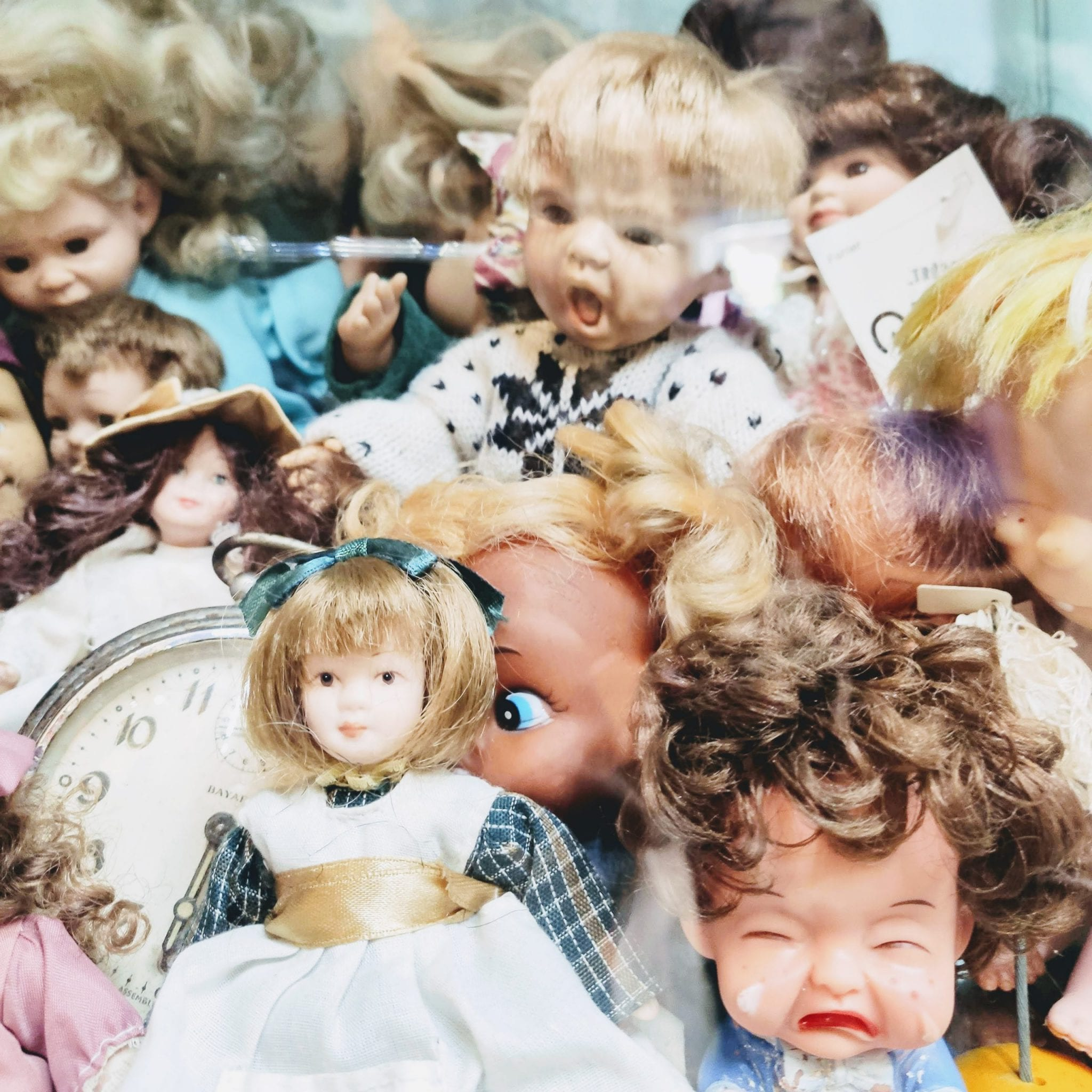 בובה זהבה שוק הפשפשים בחיפה